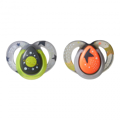 Tommee Tippee Glow In The Dark Night Time Soothers Twin Pack (6-18 months)