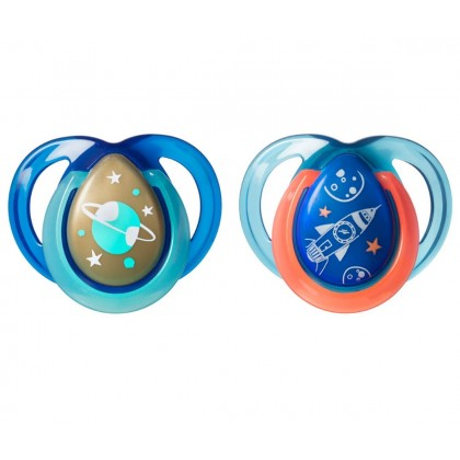 Tommee Tippee Glow In The Dark Night Time Soothers Twin Pack (0-6 months)